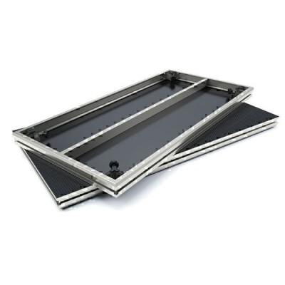 Palco pedana professionale per uso in interni o esterni dalla facile messa in opera.