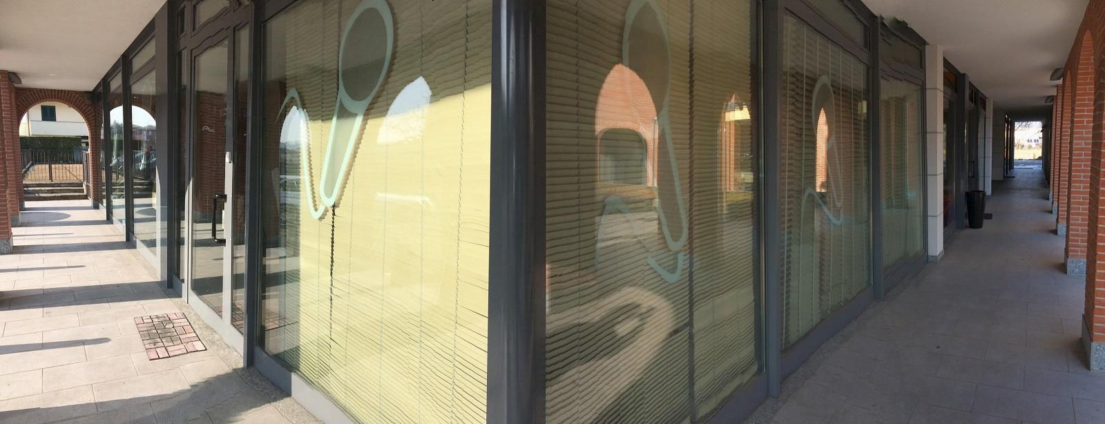 vetrine negozio.jpg